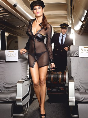 Hosszú ujjú fekete légikisasszony-egyenruha sapkával és kitűzővel